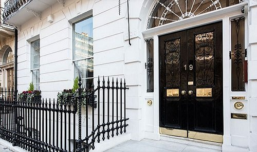 19 Harley Street - Photo of Entrance